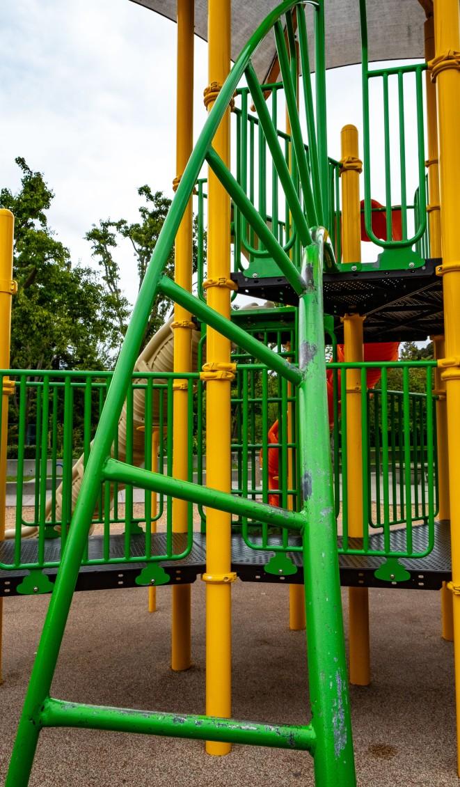 Playground twisted ladder-1604