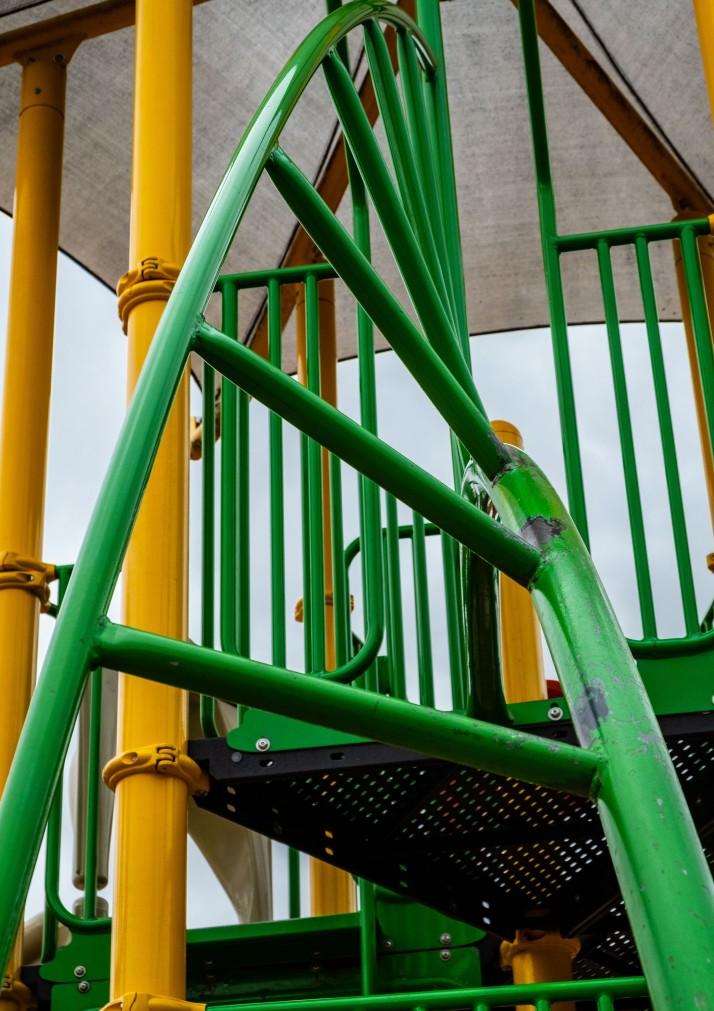 Playground twisted ladder-1617