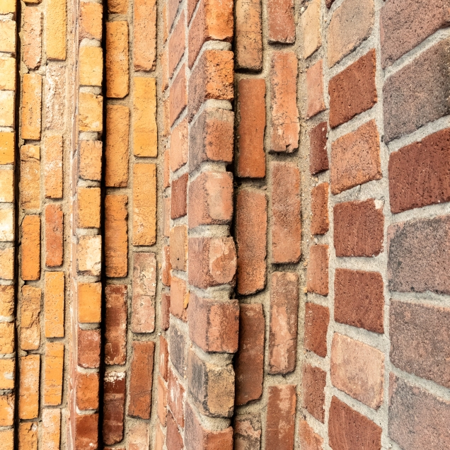 Bricks vertical right-2777