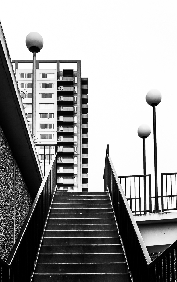 Monochrome Mondays: Steps and lamps