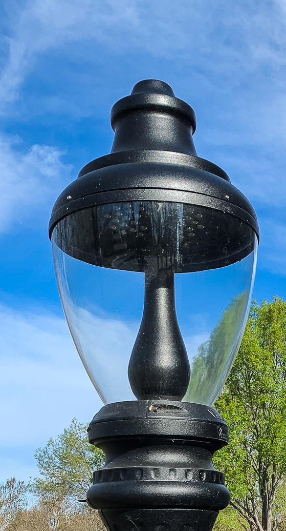 Lens-Artists- Street Lamp Cropped-8282