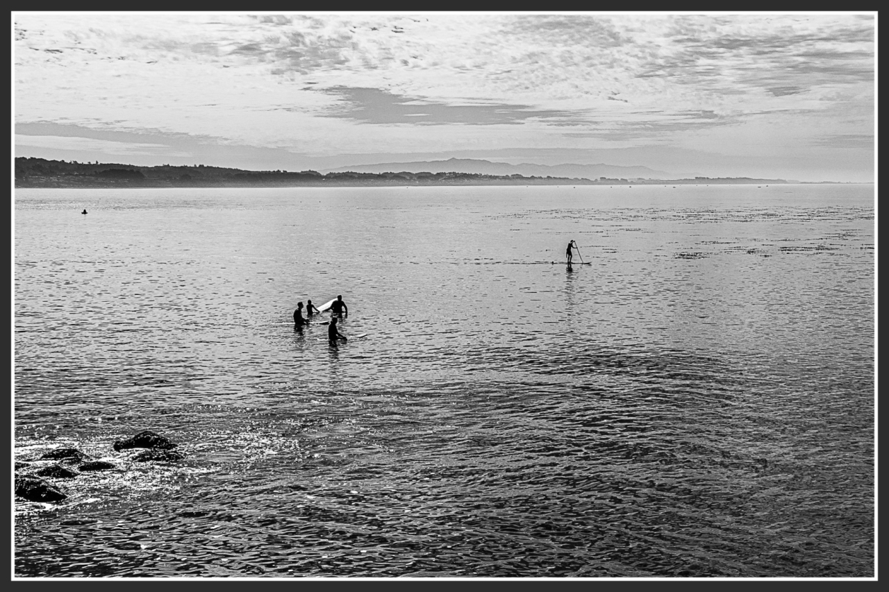 Monochrome Mondays: Hanging out in Capitola